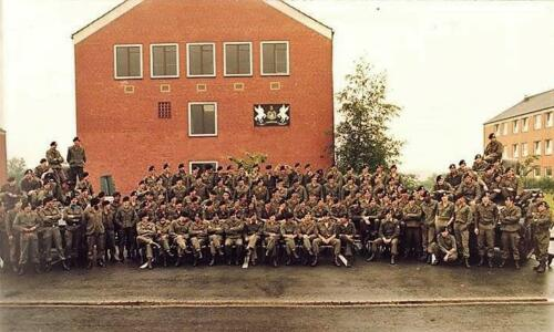 1984 B Esk 103 Verkbat EC Ritm Ruud Pruijsenaere de la W geeft commando over aan Ritm Willem v.d. Bos