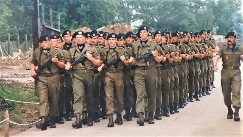 1985 B Esk 103 Verkbat exercitie olv OwiI Haans voor de Wmr Rotmans en de latere lt Lammerse