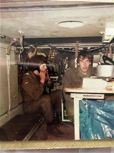 1985 A-Esk 103 Verkbat Radarbak in actie; Ronald Stokkendreef en ch Eric Boot. Krijgsgevangen door een Duitse boer!