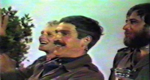 1986 06 103 Verkbat Luneburg PBC Majoor Piekema en Wmr Welbie met baard