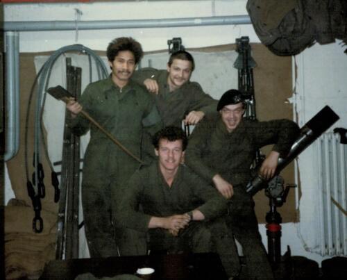 1986 A-Esk 103 Verkbat; Kazerne leven. Foto's Huz I Paul Poelman