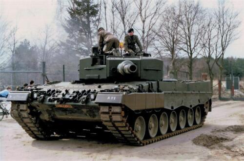 1986 A Esk 103 Verkbat Leopards II Fotos Huz I Paul Poelman 1