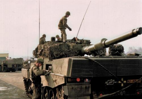 1986 A-Esk 103 Verkbat; Leopards II Foto's Huz I Paul Poelman (2)