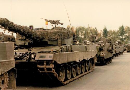 1986 A-Esk 103 Verkbat; Leopards II Foto's Huz I Paul Poelman (4)