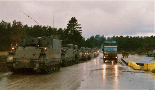 1986 A-Esk 103 Verkbat; M577 met de C&R's. Foto's Huz I Paul Poelman (21)