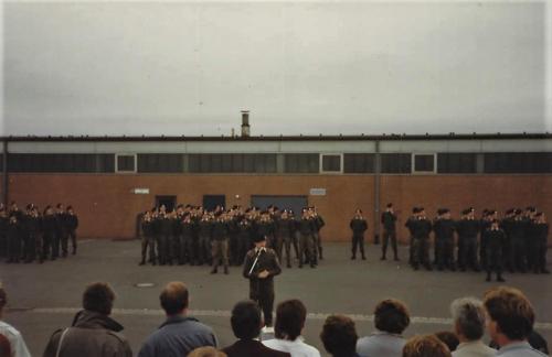 1986 SSV 103 Verkbat Ouderweekend. EC Ritm vd Aker legt programma uit. Inz. John Lettinga
