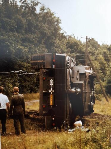 1986 SSV Esk 103 Verkbat Station Godenstedt BOG zet de Leop II B Esk weer recht. Inz. Peter van Wijk 4