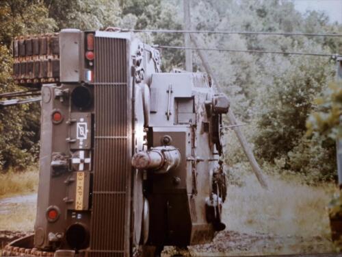 1986 SSV Esk 103 Verkbat Station Godenstedt BOG zet de Leop II B Esk weer recht. Inz. Peter van Wijk 5