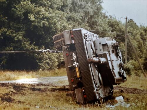 1986 SSV Esk 103 Verkbat Station Godenstedt BOG zet de Leop II B Esk weer recht. Inz. Peter van Wijk 6
