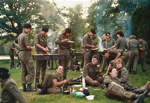 1988 1989 B Esk 103 Verkbat BBQ te velde Inzender Martin Meijer 5