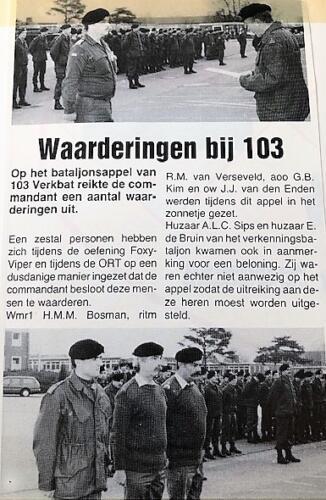 1989 103 Verkbat Uitreiking waarderingen door BC Lkol P Bruinink zie tekst Inz. Marcel