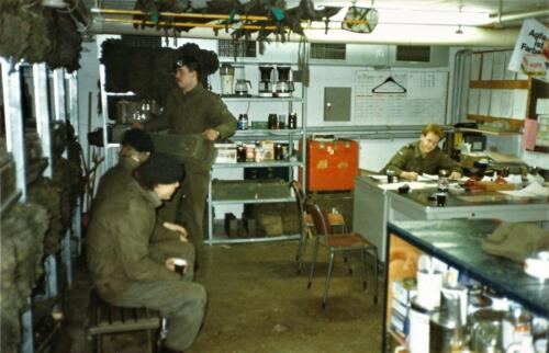 1989 SSV Esk 103 Verkbat. Fotos van Huz Johan Hendriks. Collegas 9