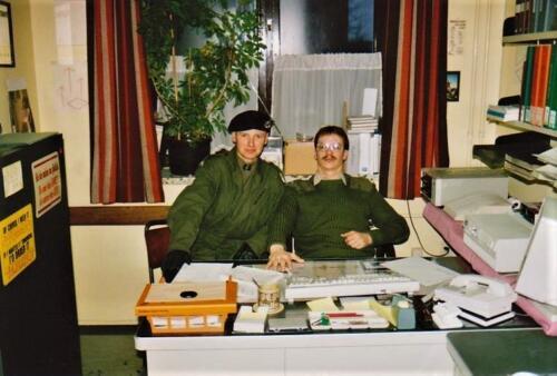 1991 1992 A Esk 103 Verkbat Adminstrateur en nu hooggewaardeerde AOOI b.d. .inz . Rene Lustig .