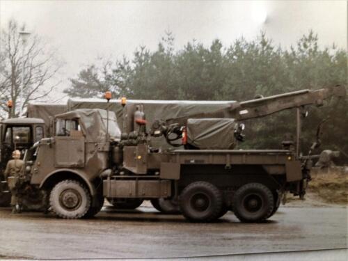 1991 A Esk 103 Verkbat Schietserie Bergen Hohne. De takeldoos wacht op werk Inz Marcel Grandia