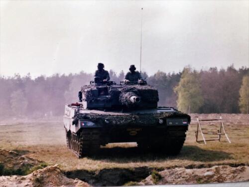 1992 01 31 tm 02 02 A Esk 103 Verkbat Ouderweekend Uiteraard een demo Leop II Inzender Marcel 1