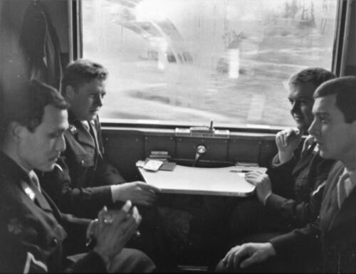 1966-1967 A-Esk 103 Verkbat; Keurig in de (militaire) trein. Uit het fotoarchief van Jan Stoffels  (1)