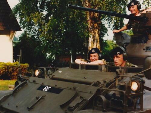 1995 103 Verkbat BC Lkol Johann met aan de knuppels de Elnt Jongma.
