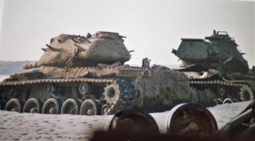 1995 Vlieland Opschieten munitie B H met KMA cav cadetn o.l.v. Lkol Alexander en inzender Aooi Haans Tankherkenning 3