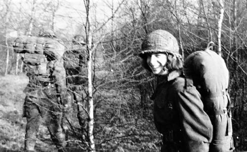 1974-1975 B-Esk li 74-4 103 Verkbat; Oefeningen en kazerneleven. Inzender Frans Homminga  (6)