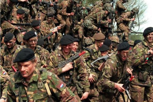 1996 05 06 103 Verkbat Oefening Light Recce bij Barnsdorf zuid van Bremen.