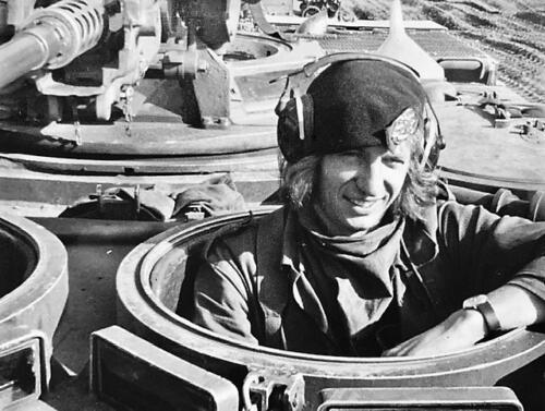 1974-1975 B-Esk li 74-4 103 Verkbat; Oefeningen en kazerneleven. Inzender Frans Homminga  (5)