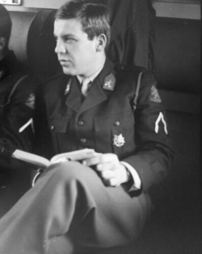 1966-1967 A-Esk 103 Verkbat; Keurig in de (militaire) trein. Uit het fotoarchief van Jan Stoffels  (2)