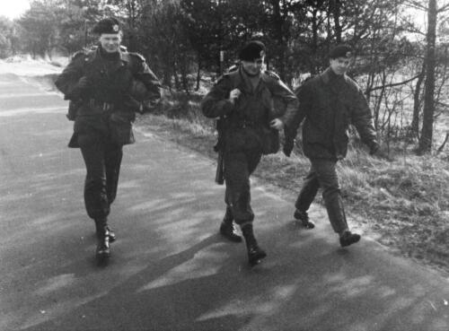 1966-1967 A-Esk 103 Verkbat; Lopen, lopen en lopen...  Uit het fotoarchief van Jan Stoffels  (3)