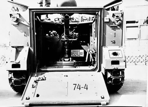 1974-1975 B-Esk li 74-4 103 Verkbat; Oefeningen en kazerneleven. Inzender Frans Homminga (30)