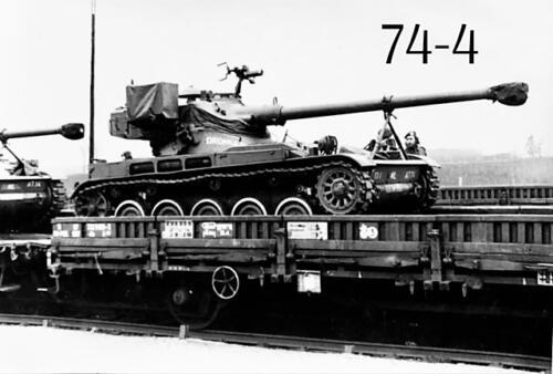 1974-1975 B-Esk 103 Verkbat. AMX PAAT Cie Inzender Frans Homminga
