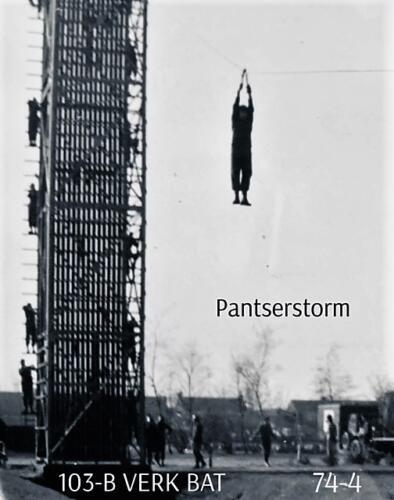1974-1975 B-Esk 103 Verkbat; Oef Pantserstorm Roosendaal, toren en kip. Inzender Frans Homminga  (1)