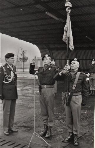 1970-03-01 B-esk 103 Verkbat; Beediging o.a. tlnt  Meyer de Boer. Aooi Jongejan en Lkol Baron v Tuijl