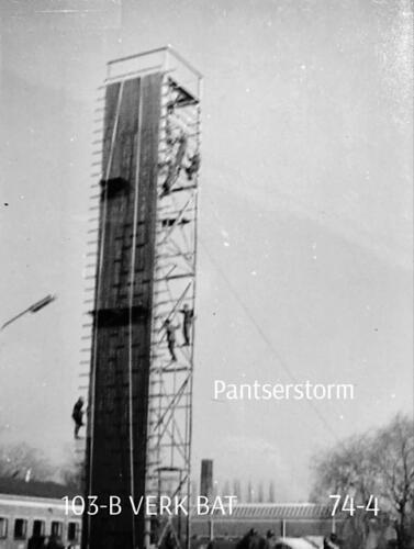 1974-1975 B-Esk 103 Verkbat; Oef Pantserstorm Roosendaal, toren en kip. Inzender Frans Homminga  (3)