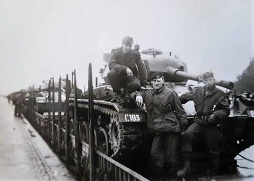 1c. 1961 103 Verkbat; Het nieuwe bataljon moest het nog even doen met de Chaffee-tank voor de Centurions