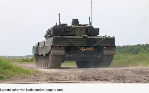 2011 05 18 Bergen Hohne Het laatste schot van de Nederlandse leopard II tank. 4