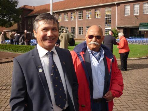 2011 10 07 Reunie Huzaren van Boreel op de Bernhardkazerne Ex 103 Owi Harry Schuurman en Ritm Edu Vieane.