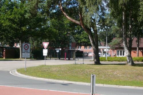 2020-08-05 Zeven en omgeving; Ingang Lpl Seedorf. Nostalgische toer van Erwin Vonk, Plv C B-Esk 1988-1989  (1)