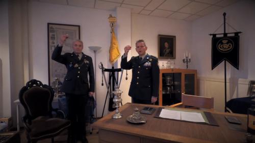 2020 11 25 Door Corona geen diner. Regimentsc Huzaren van Boreel Kol Hans v Dalen proost op de 207e verjaardag van Boreel 4