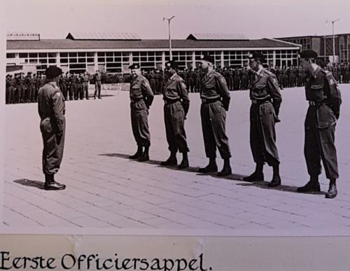 4. 1961-06-15 Legerplaats 't Harde Oprichting 103 Verkbat; 1e Off appel (In de looppas!)