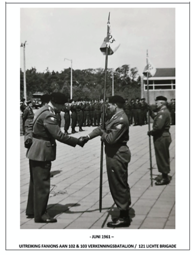 4. 1961-06-15 Legerplaats 't Harde Oprichting 103e Verkbat C-102 Maj v Tuijl en 103 Maj vd Bergh