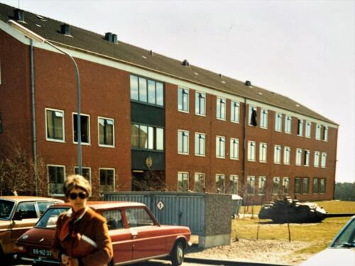 48. 1979 1980 A Esk 103 Verkbat Legering 10 maanden Album John Emmen