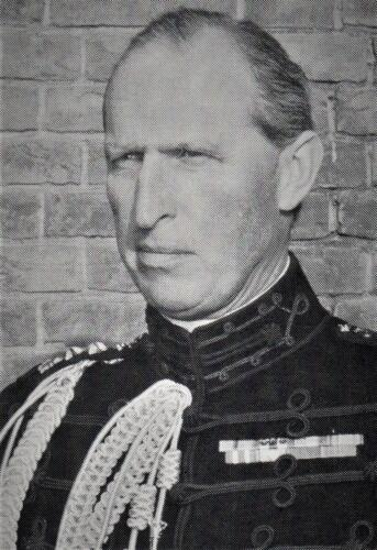 6. 1970 01 15 tot 1971 11 01 Lkol Jhr. A. van der Goes Commandant 103 Verbat