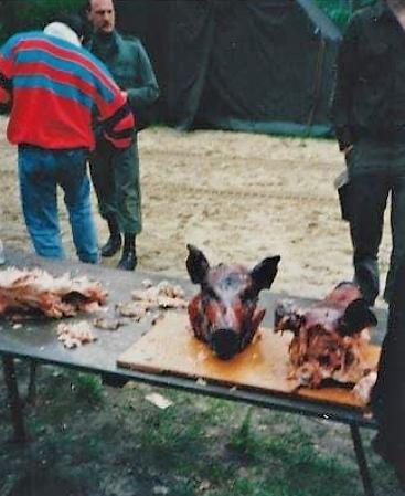 1979 1980 SSV Esk 103 Verkbat BBQ te velde varkenskop Inzender John Pettinga