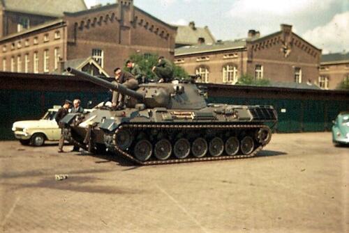 1968 09 20 Introductie van de Leopard 1 Wilem 111 kazerne