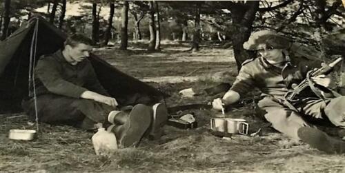 1967 1968 A Esk 103 Verkbat li 67 2 Esk Bivak. Ritm Scouten Elnt Nix en Owi Brunschot. Inz. Martin Elsman