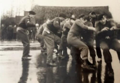 1968 A Esk 103 Verkbat li 67 2 Esk Ritm Scouten Elnt Nix en Owi Brunschot. Ouderweekend. Inz. Martin Elsman 2