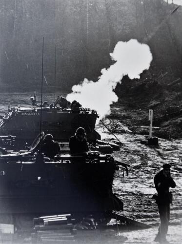 1975 A Esk 103 Verkbat Schietserie Mortierschieten. Inz Harry de Groot 1