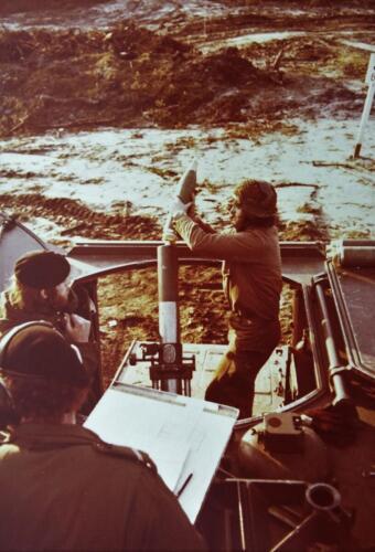 1975 A Esk 103 Verkbat Schietserie Mortierschieten. Inz Harry de Groot 2