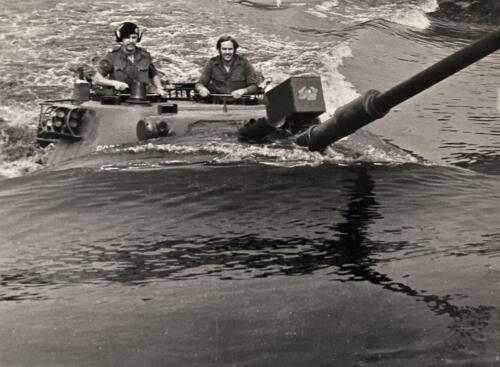 1974 B Esk 103 Verkbat Diepwaden met de inz. Wmr I Geert Snellen in de Leop Iv in Eitze