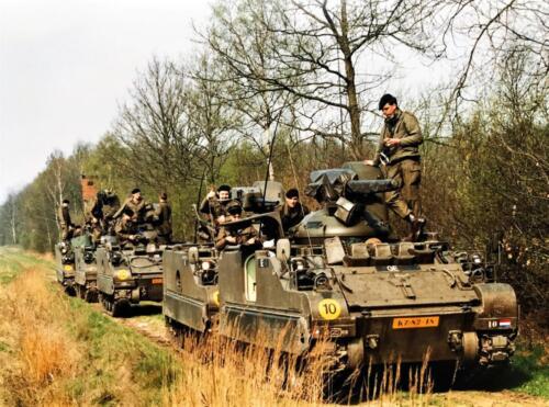 1988 1989 A esk 103 Verkbat Oef. 1e pel 88 4 Verkennend voorwaarts in rood... Inz. Rolf Jan Goosen. 1