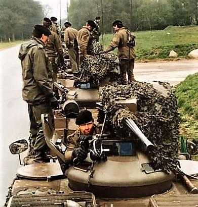 1988 1989 A esk 103 Verkbat Oef. 1e pel 88 4 Verkennend voorwaarts in rood... Inz. Rolf Jan Goosen. 5
